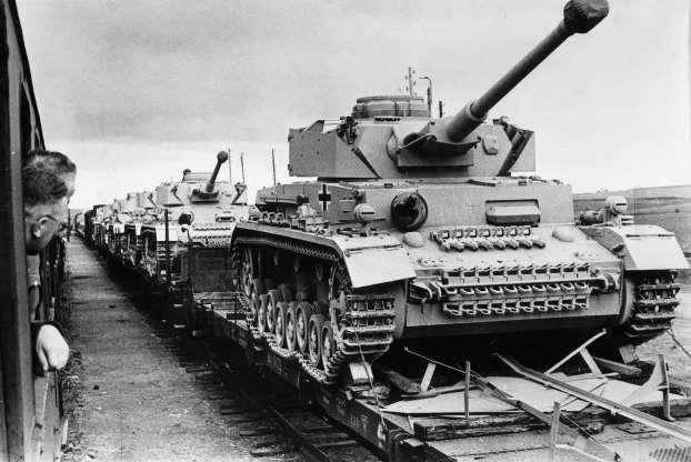 Niemcy w drodze na front wschodni w 1943 roku.